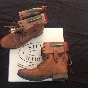 Steve Madden Camarro Tan Boots